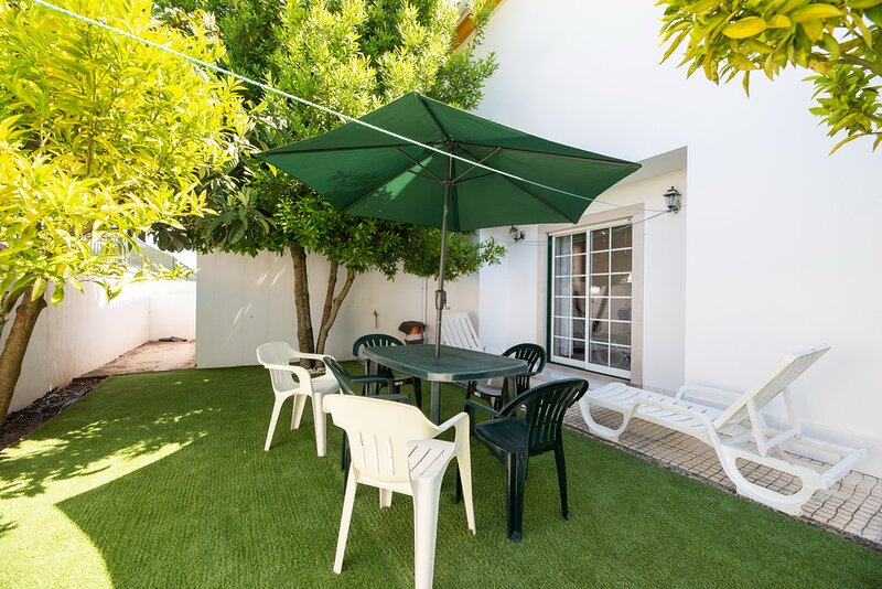 Villa Alcobaça Family Home Beach & Culture, holiday rental in Turquel