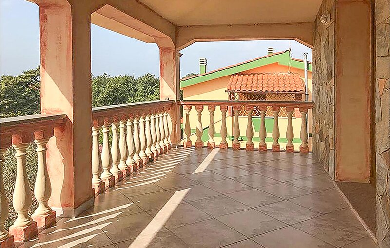 Nice home in Sorso with 2 Bedrooms (IGG218), holiday rental in Berchiddeddu