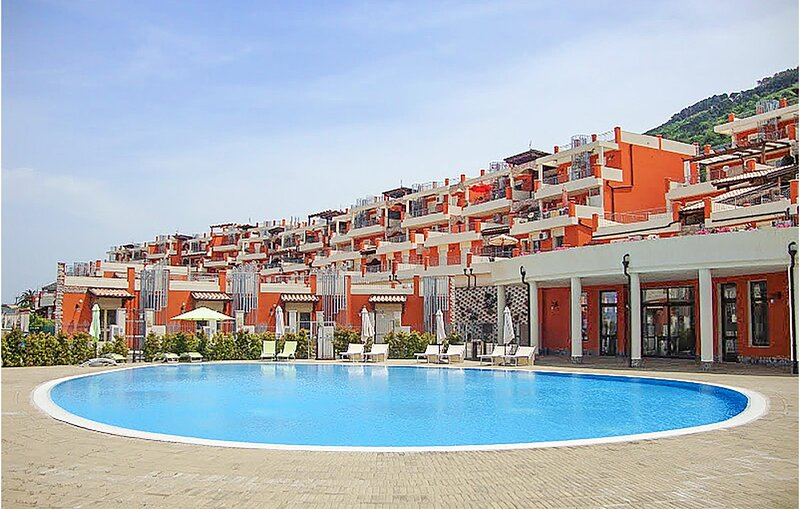 Stunning apartment in Pizzo with Outdoor swimming pool, WiFi and 1 Bedrooms (IKK, vacation rental in Stazione di Francavilla