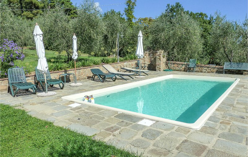 Amazing home in Buggiano with Outdoor swimming pool, WiFi and 2 Bedrooms (ITT334, holiday rental in Buggiano