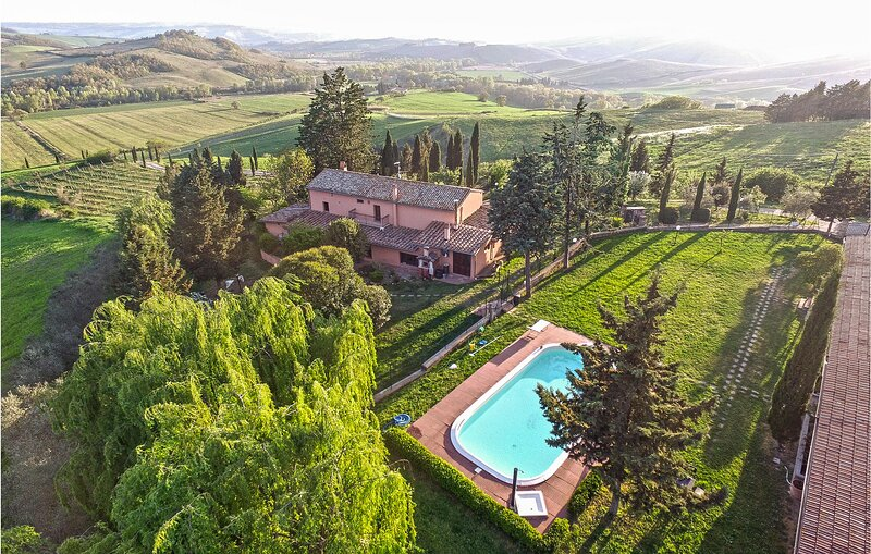 Nice apartment in San Casciano dei Bagni with Outdoor swimming pool, WiFi and 2, holiday rental in San Casciano dei Bagni