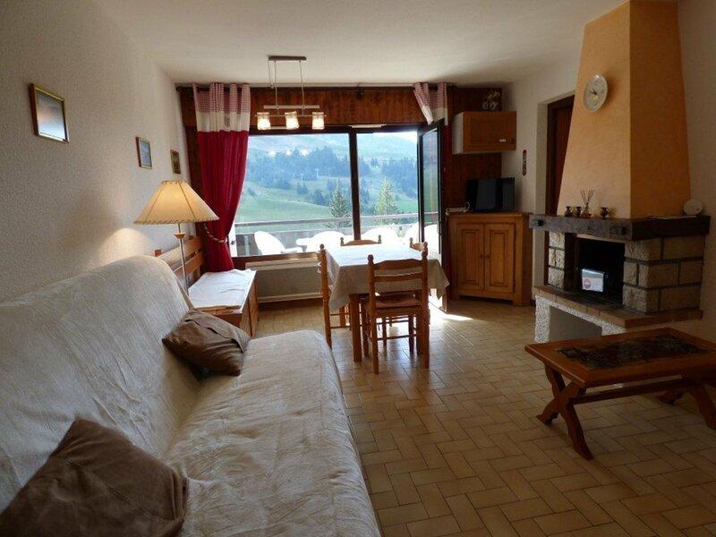 Confortable 2 pièces + coin montagne - idéal pour 6 personnes, location de vacances à Brizon