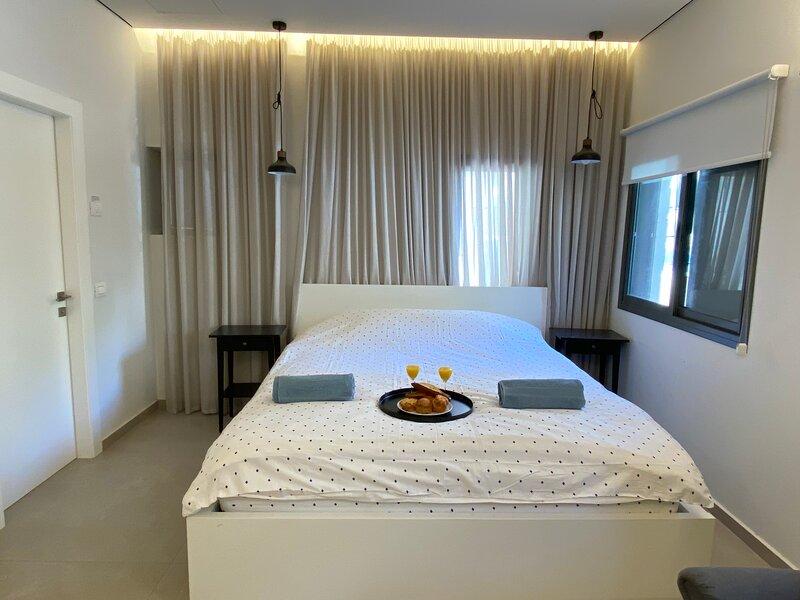 Cozy Apartment in the Heart of Tel Aviv, holiday rental in Ramat Gan
