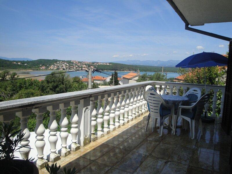 Apartment Kutleša, holiday rental in Soline