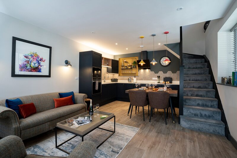 Spacious - Contemporary Home - Central Ambleside - Parking, vacation rental in Rydal