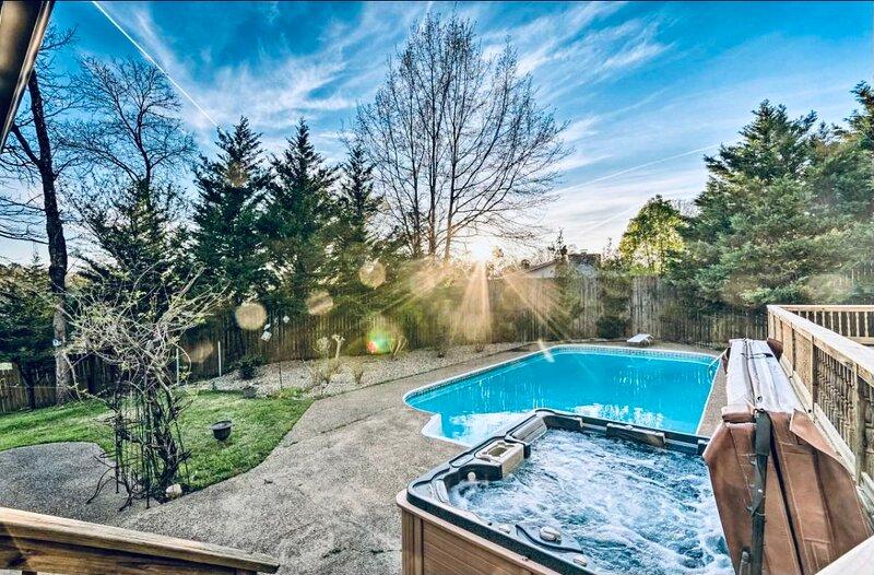 Luxury Lake house*private pool and hot tub*sleeps 25*, alquiler vacacional en Bismarck