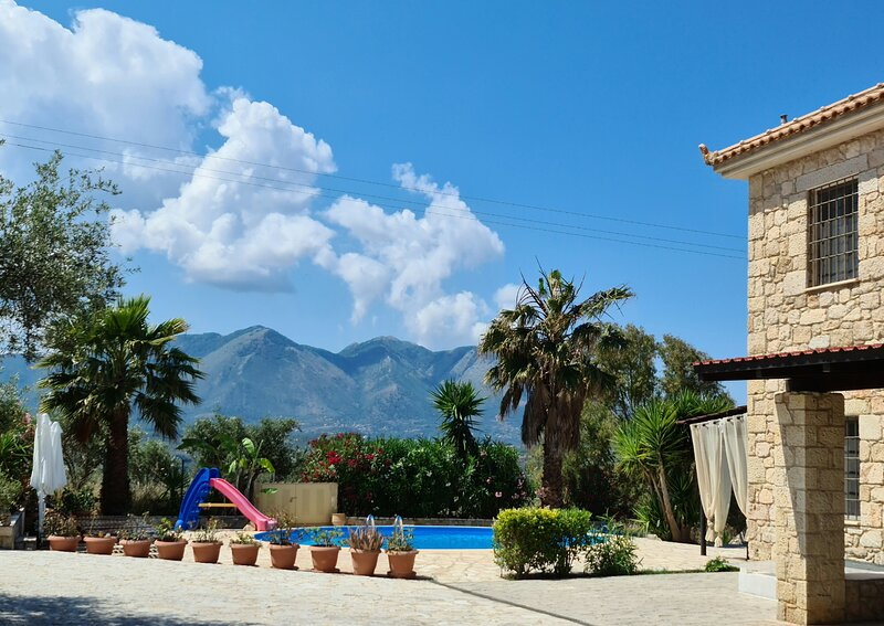 Large Stone Villa * Sandy Beaches * Sea Turtles * Ancient Olympia * Families, vacation rental in Zacharo