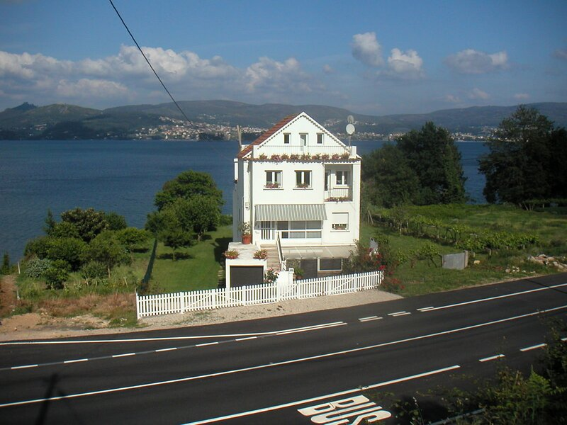 House - 4 Bedrooms with WiFi - 100559, holiday rental in Soutomaior