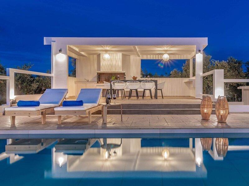 Farao Villa with Private Pool, location de vacances à Meso Gerakari