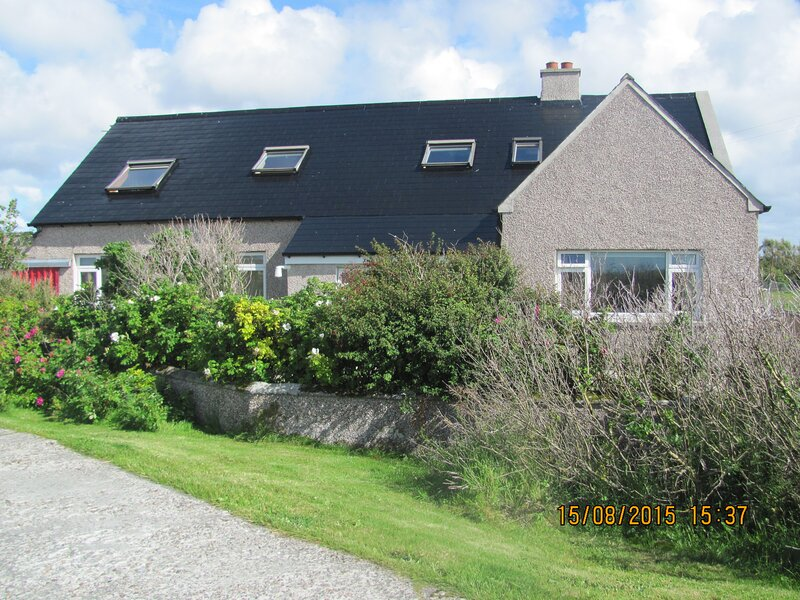 APARTMENT 18 ILLERAY,CLACHAN NA LUIB,ISLE OF NORTH UIST, WESTERN ISLES,HS65HD, holiday rental in Baleshare
