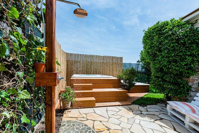 Lussuosa villa con piscina dotata di ogni comforts, location de vacances à Fiumicino