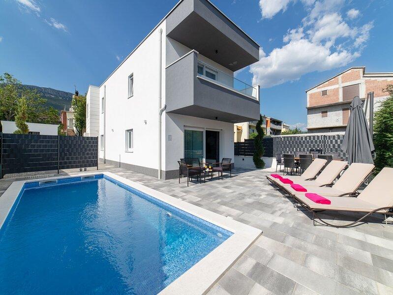 Luxury Villa Luna Kaštela, aluguéis de temporada em Kastel Stari