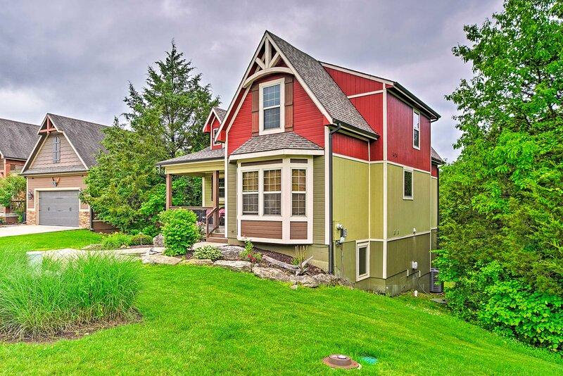 Branson Area 'Goldilocks Lodge' w/ Private Deck!, casa vacanza a Ridgedale