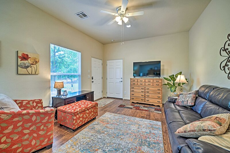 'Hickory Hideaway' in Choctaw: 20 Mi to OKC!, holiday rental in Luther