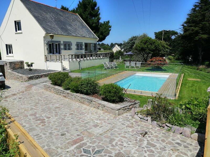Villa  Piscne Privée,,Mer à 200 Mètres à pieds Plages Saint Michel & Sable D'or, aluguéis de temporada em Erquy