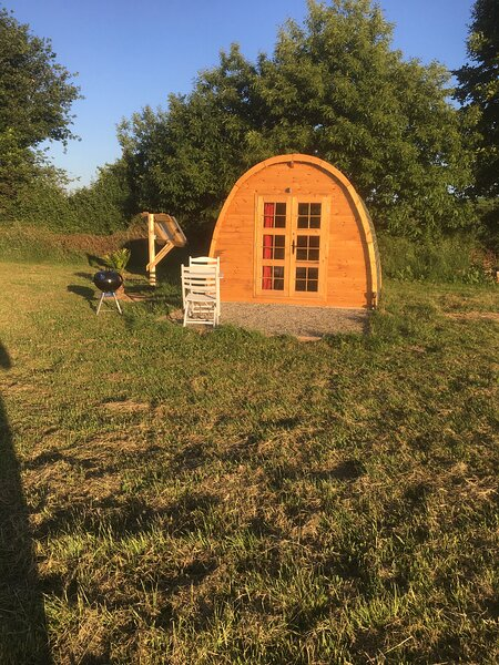 Captivating 1-Bed pod in Passais-Villages, holiday rental in Le Teilleul