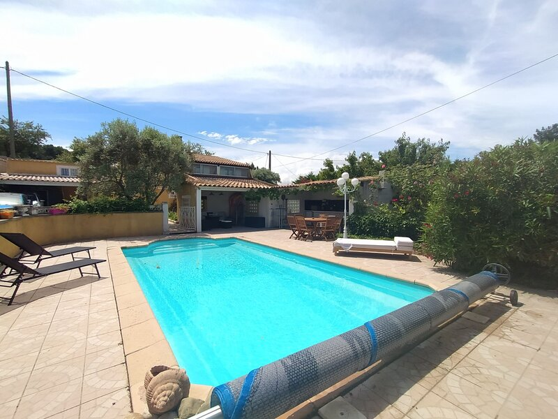 Guest House South of France, holiday rental in Les-Pennes-Mirabeau