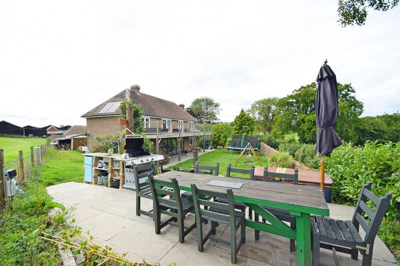 Sunwood House ,  Petersfield, vacation rental in Rake