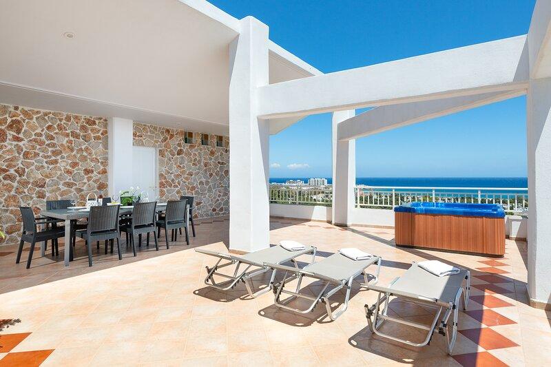 Amazing apartment  with sea view in Rhodes town.(1), aluguéis de temporada em Rodes