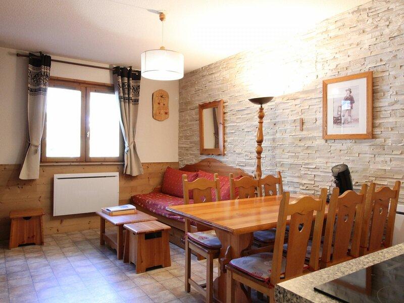 COM304M :Appartement dans quartier calme proche des navettes gratuites et de la, casa vacanza a Bramans