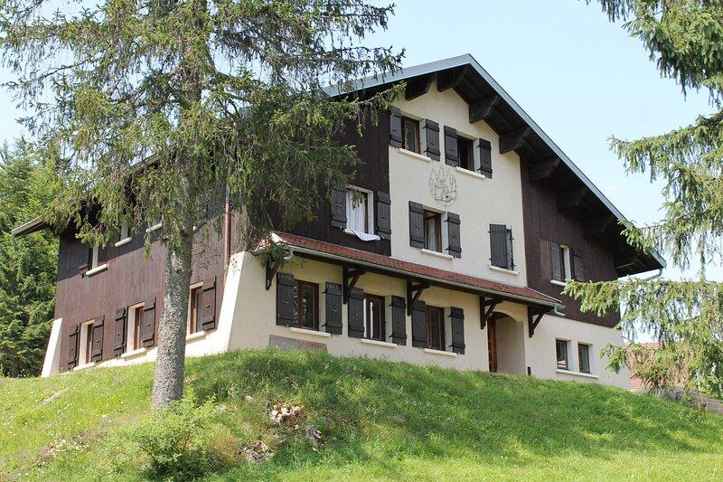 Gîte de groupe des Rochats, holiday rental in Clairvaux-les-Lacs