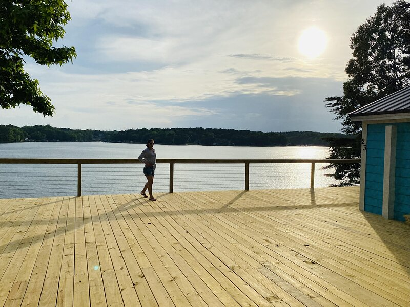 New Waterfront Cabin on the Large Sundeck #24, holiday rental in Clover