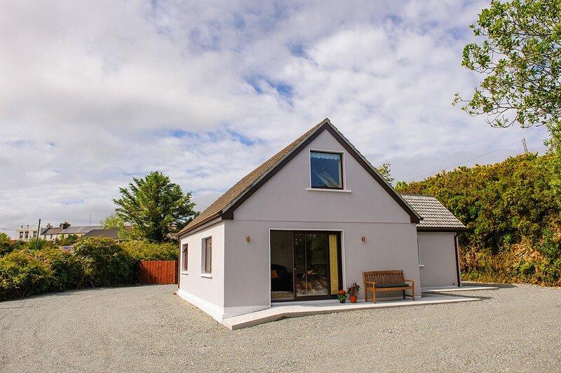 Renvyle 388 Honeysuckle cottage, casa vacanza a Silver Strand