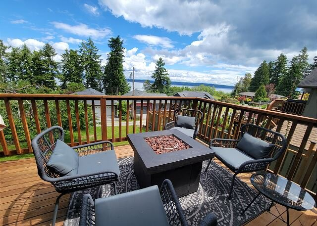 1 bed 1 bath Oasis perfect for a family of 2-4! (291), holiday rental in Langley