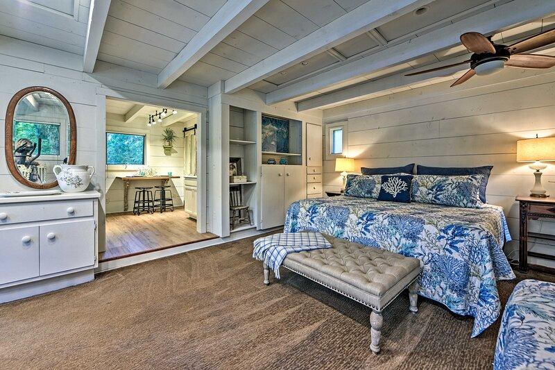 NEW! Cozy Nantucket Cottage on St Marys River!, location de vacances à Fernandina Beach