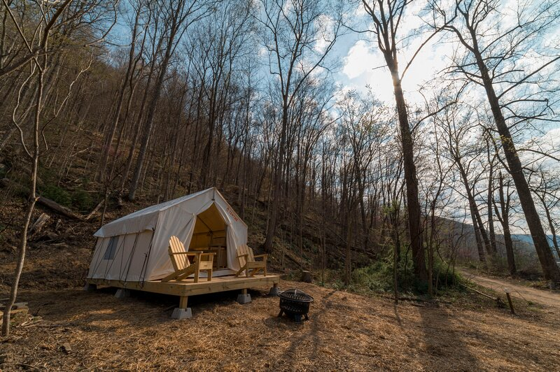Tentrr State Park Site - WV Hawk's Nest State Park - Site L - Single Camp, holiday rental in Mount Hope