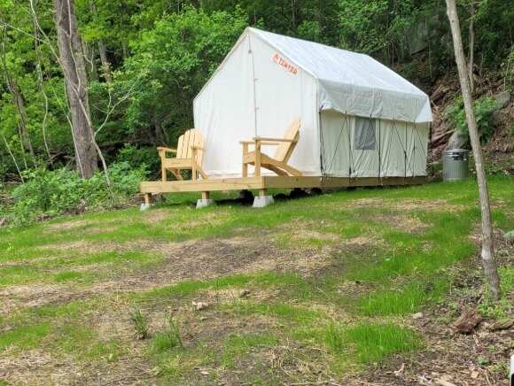Tentrr State Park Site - WV Hawk's Nest State Park - Site B - Single Camp, holiday rental in Mount Hope