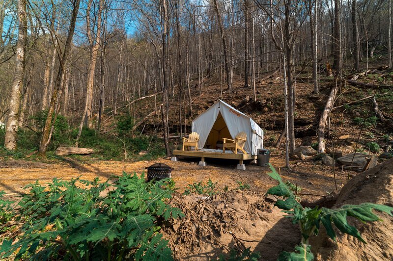 Tentrr State Park Site - WV Hawk's Nest State Park - Site C - Single Camp, holiday rental in Mount Hope