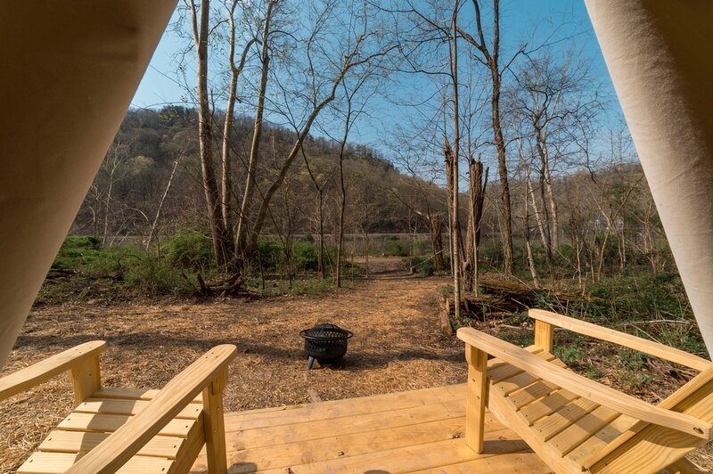 Tentrr State Park Site - WV Hawk's Nest State Park - Site D - Single Camp, holiday rental in Mount Hope