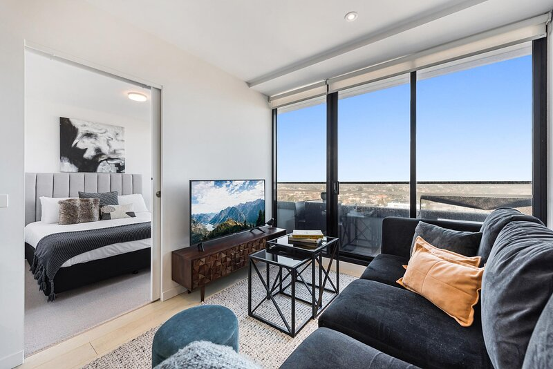 Stylish One Bedder with City Views and Parking, alquiler de vacaciones en Keilor Downs