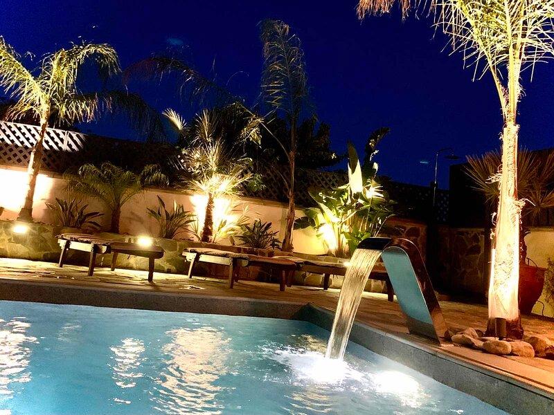 Villa Harmonia Blue 'Prime Location' Mediterranian.Modern.Luxury., casa vacanza a Latchi