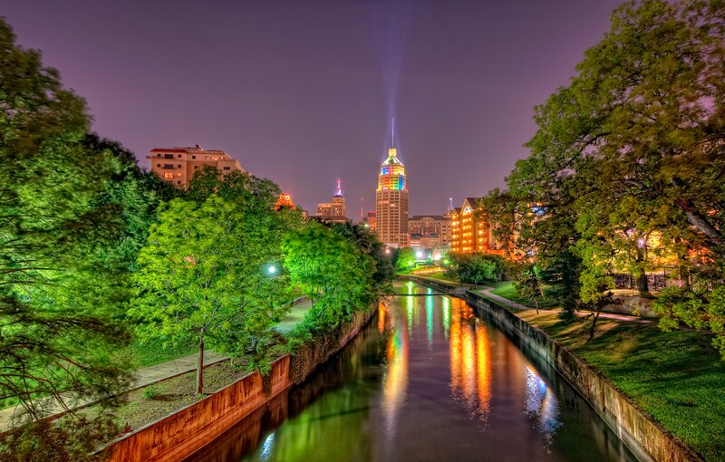 Professionally Managed Beautiful 3BR Minutes To Downtown Riverwalk BOOK NOW!, holiday rental in Elmendorf