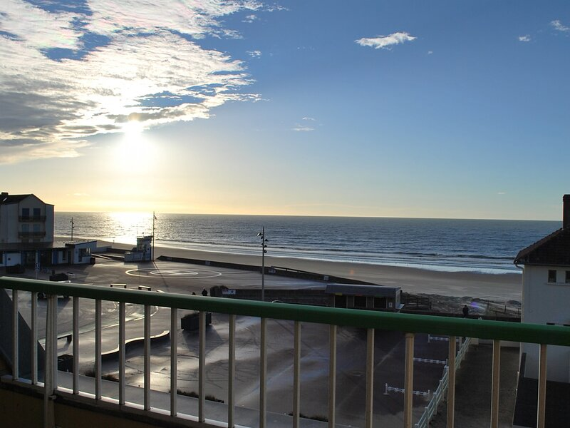 FORT MAHON PLAGE : Appartement 2 chambres face mer., vacation rental in Fort-Mahon-Plage