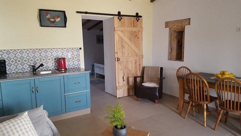 Stunning 1-Bed Apartment in Aguas Belas Portugal, location de vacances à Ferreira do Zezere