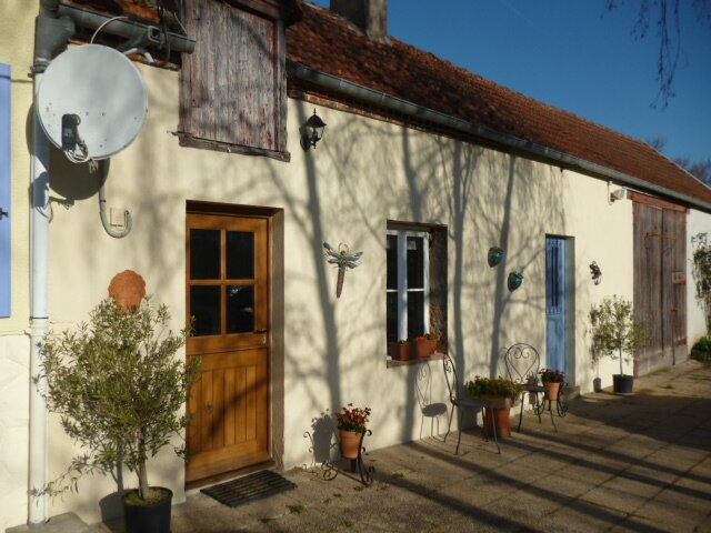 Les Fragnons, Country Cottage for 2 in peaceful, quiet, beautiful, countryside., casa vacanza a Chateaumeillant