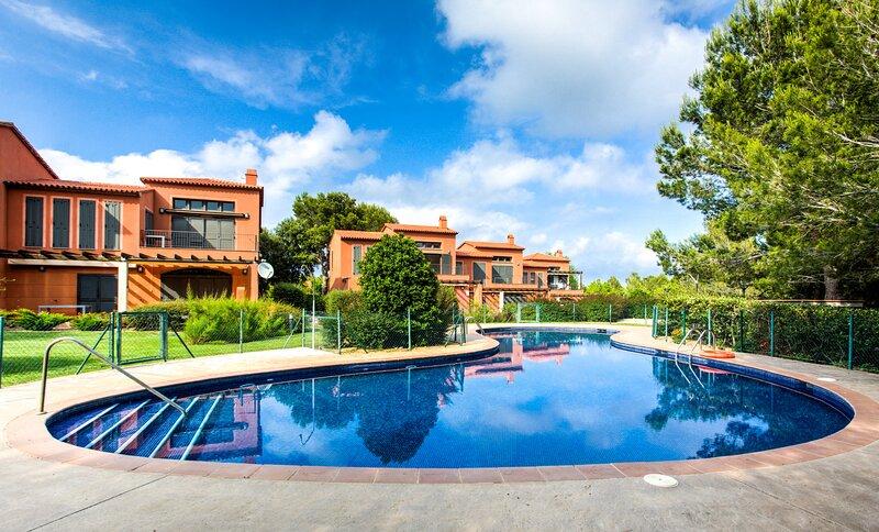 TH43 Casa Golf Mont -Roig, holiday rental in Falset