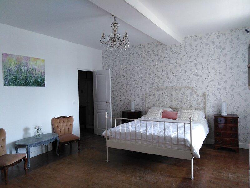 Chambre D'hotes in village location, casa vacanza a Marsolan