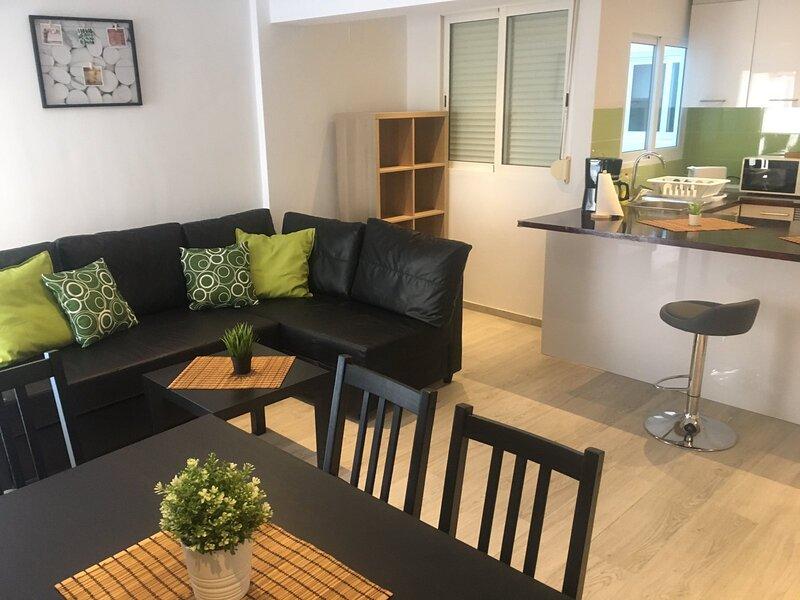 Pleasant, holiday apartment in CULLERA, 10 min. to the beach, casa vacanza a Corbera