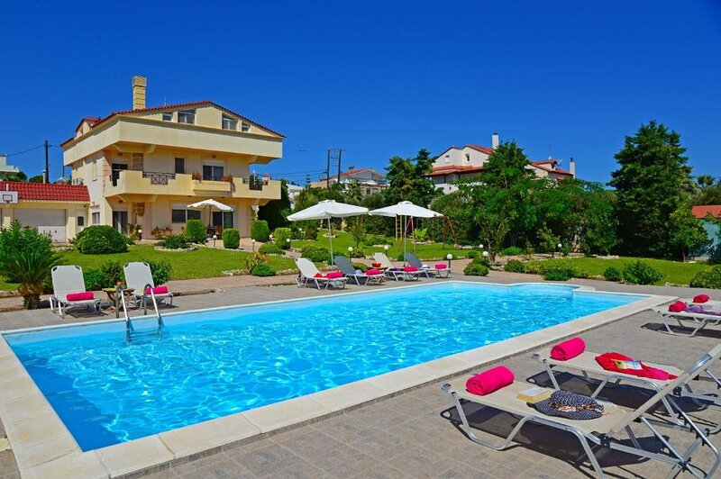 Villa Helios Rhodes Town, holiday rental in Asgourou