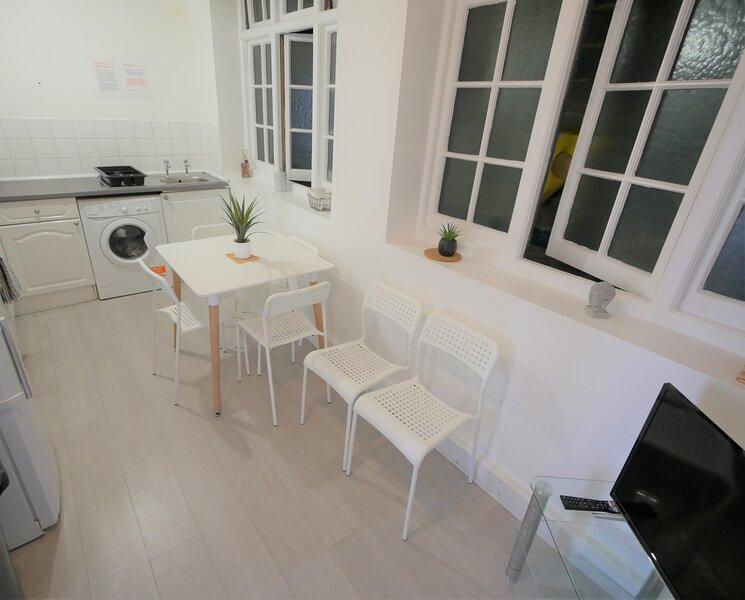 Daimler House Beach Apartment, location de vacances à Bournemouth