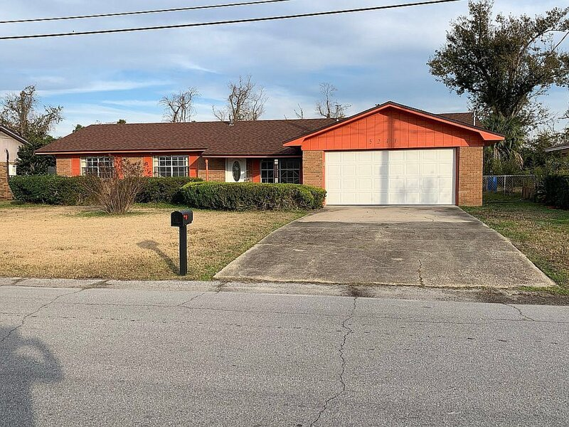 Nice & Affordable Panama City Home, holiday rental in Highland City