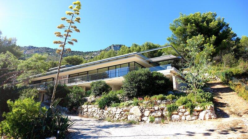 VILLA DYONIS VI4231By Riviera Holiday Homes, aluguéis de temporada em Beausoleil
