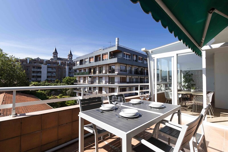 Munibe | The Rentals Collection, holiday rental in Igueldo