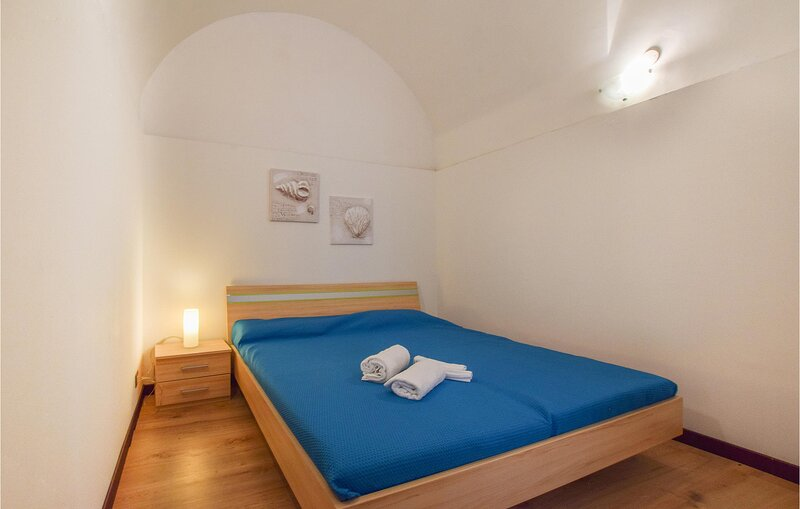 Stunning apartment in Linguaglossa with WiFi and 2 Bedrooms (ISC109), holiday rental in Linguaglossa