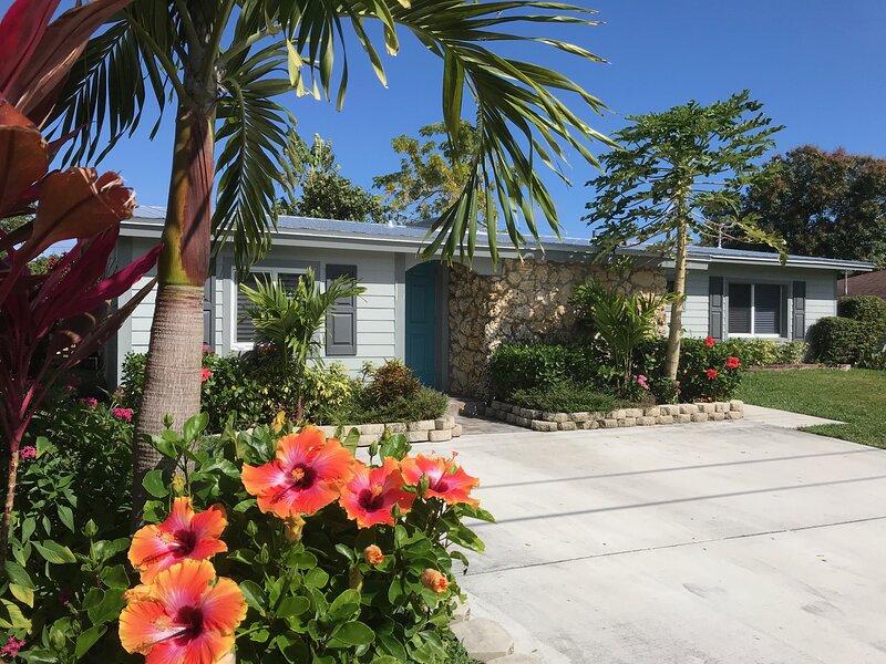 Quaint Beach House, holiday rental in Jupiter