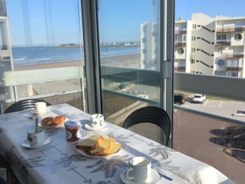 Grande Plage Saint Gilles, appartement type 2, belle vue mer latérale, parking, alquiler de vacaciones en Croix-de-Vie
